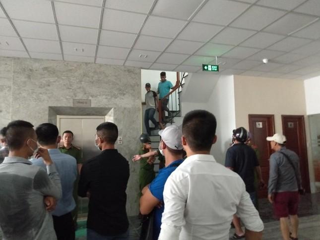 Hàng trăm người 'bao vây' công ty ở Sài Gòn đòi tiền góp vốn ảnh 2