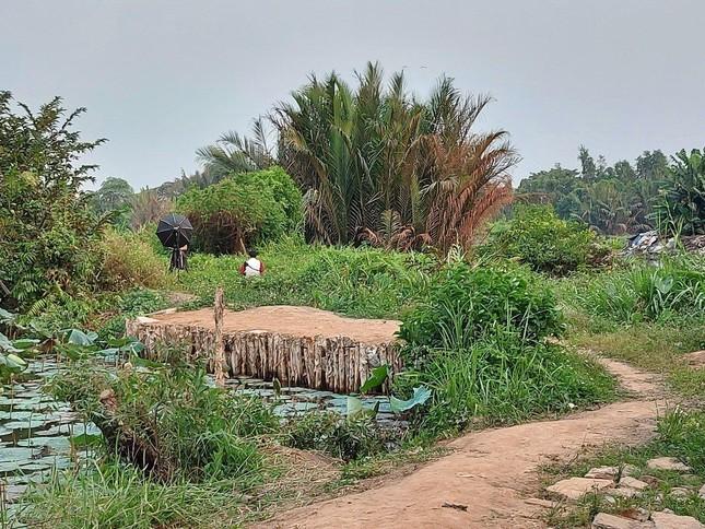 Cận cảnh công viên Văn hóa đầu tư gần 100 tỷ đồng thành 'cánh đồng hoang' ảnh 13