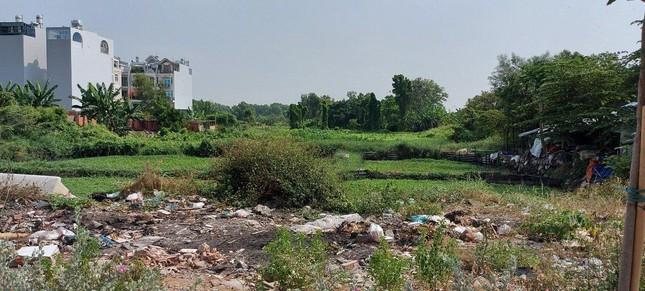 Cận cảnh công viên Văn hóa đầu tư gần 100 tỷ đồng thành 'cánh đồng hoang' ảnh 12