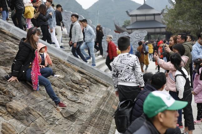 Du khách nườm nượp về chùa Tam Chúc du xuân Canh tý 2020 ảnh 2