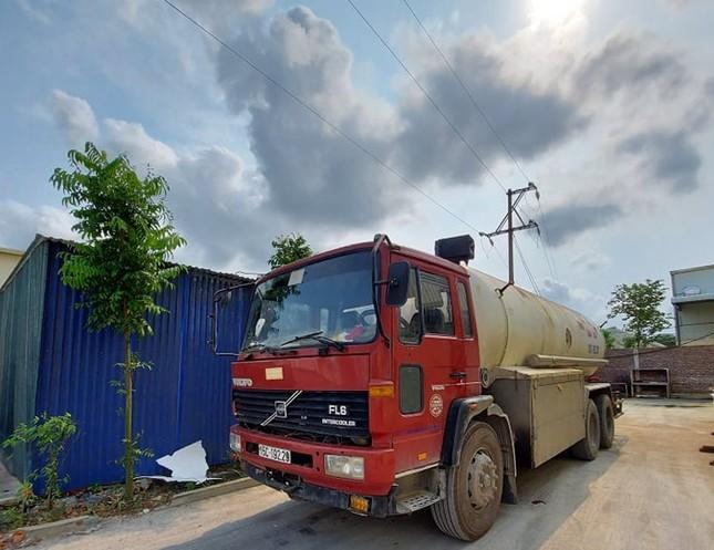 Công an triệt phá cơ sở chiết gas trái phép 'khủng' ở Hưng Yên ảnh 1