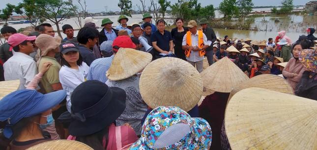 Trao 600 suất quà cho người dân vùng rốn lũ Quảng Bình ảnh 3