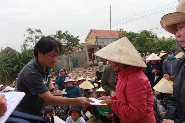 Trao 600 suất quà cho người dân vùng rốn lũ Quảng Bình ảnh 2