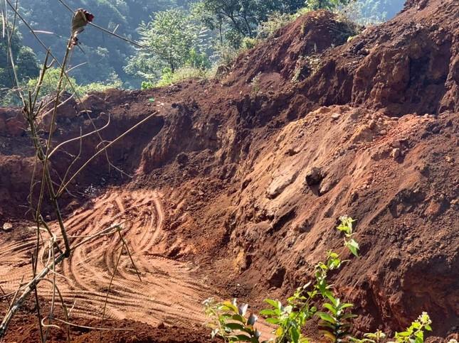 Công an Hà Giang ngăn chặn vụ rầm rộ đào trộm quặng ảnh 1
