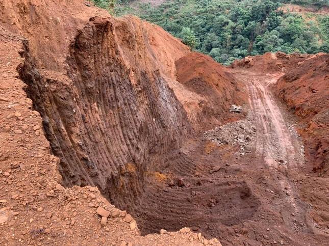 Công an Hà Giang ngăn chặn vụ rầm rộ đào trộm quặng ảnh 2