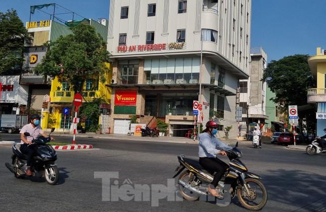Đà Nẵng: Thêm một nhân viên khu massage trong khách sạn nghi nhiễm COVID-19 ảnh 1