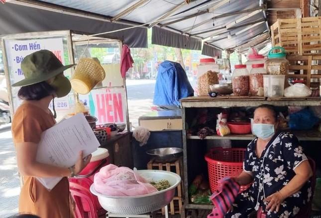 Hàng quán Đà Nẵng 'dọn sạch bách' bàn ghế, treo biển chỉ bán mang về ảnh 9