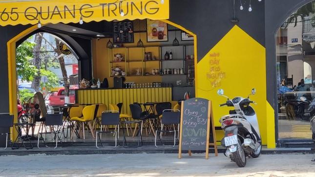 Hàng quán Đà Nẵng 'dọn sạch bách' bàn ghế, treo biển chỉ bán mang về ảnh 11