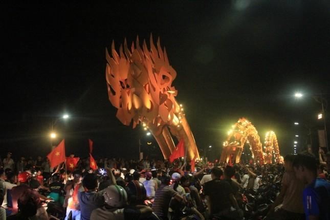 Đà thành đêm trắng ăn mừng Olympic Việt Nam ảnh 4