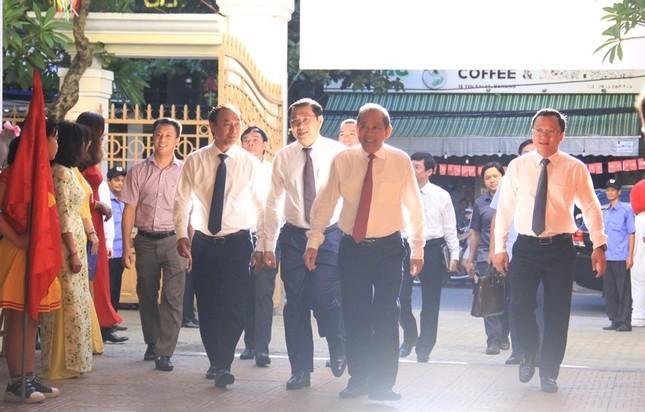 Phó Thủ tướng đánh trống khai giảng ở ngôi trường 128 tuổi ảnh 1