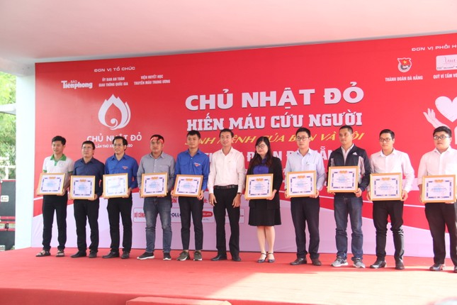 Đà Nẵng: Gần 1000 người nô nức tham gia ngày hội Chủ nhật Đỏ ảnh 5