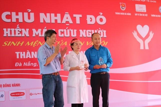 Đà Nẵng: Gần 1000 người nô nức tham gia ngày hội Chủ nhật Đỏ ảnh 1