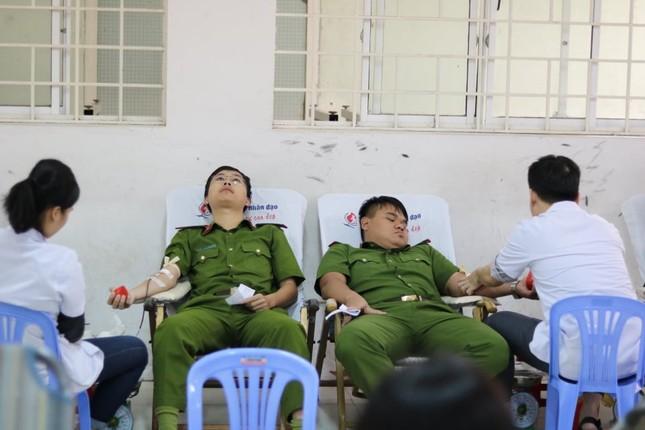 Đà Nẵng: Gần 1000 người nô nức tham gia ngày hội Chủ nhật Đỏ ảnh 9
