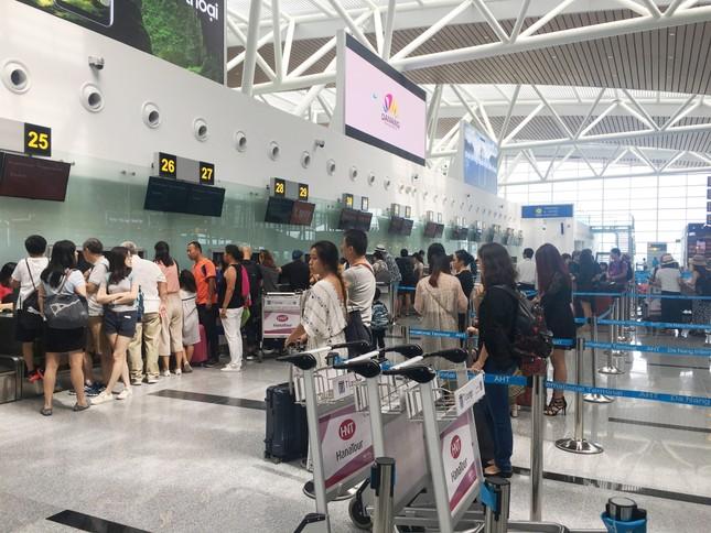 Đà Nẵng cách ly thêm khách Trung Quốc sốt cao tại sân bay ảnh 1