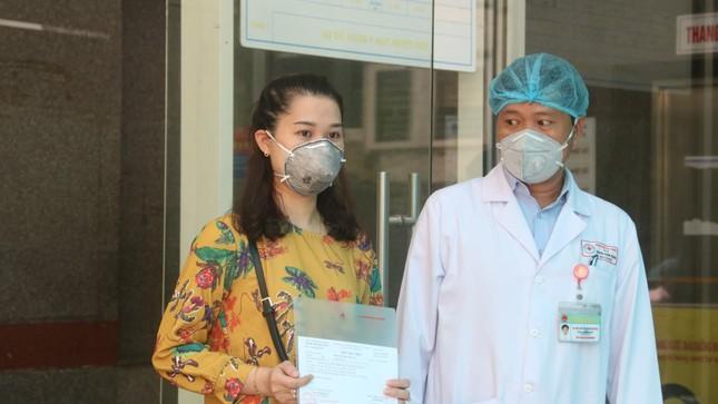 Ba ca mắc COVID-19 ở Đà Nẵng xuất viện ảnh 3
