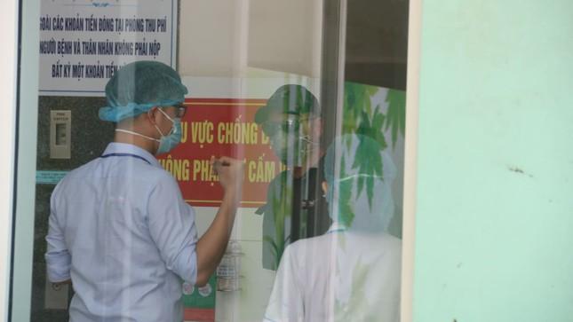 Ba ca mắc COVID-19 ở Đà Nẵng xuất viện ảnh 2