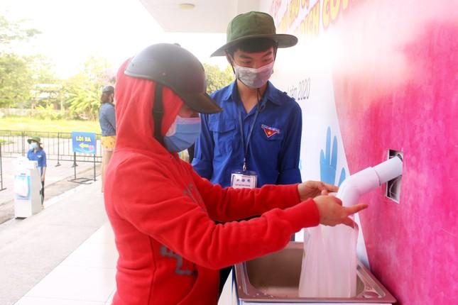 """Đà Nẵng: Mỗi quận, huyện có 2 - 3 máy như """"ATM gạo"""" giúp người khó khăn ảnh 1"""