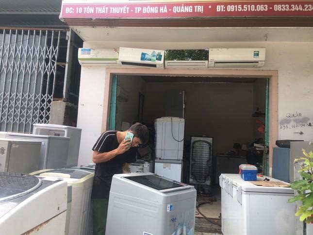 Máy giặt, tủ lạnh bị lũ ngâm, bà con để tui sấy sửa miễn phí cho ảnh 7