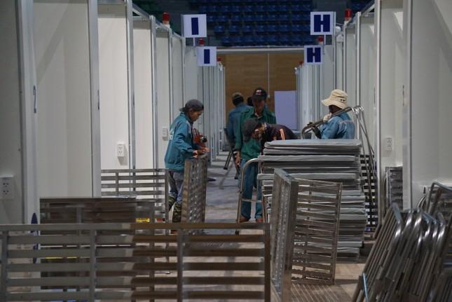 Tháo dỡ Bệnh viện dã chiến Tiên Sơn để chuyển ra Hải Dương ảnh 1