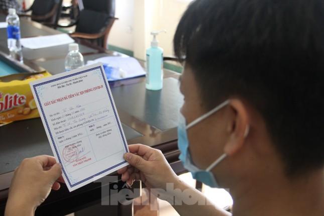 Đà Nẵng: Những nhân viên y tế đầu tiên được tiêm vắc-xin ngừa COVID-19 ảnh 8