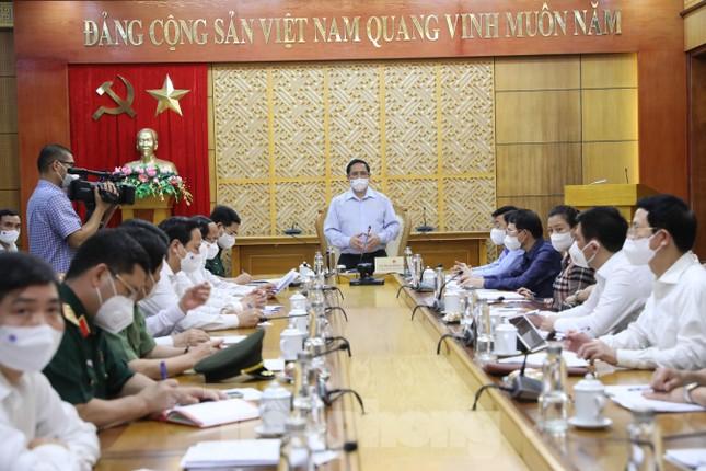 Thủ tướng Phạm Minh Chính chỉ đạo dập dịch ở Bắc Giang ảnh 2