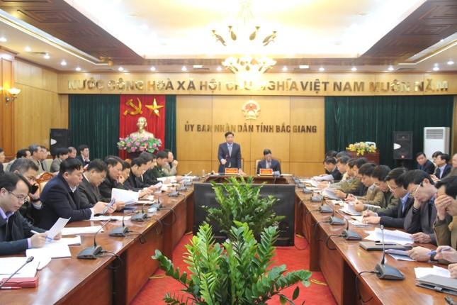 Gần 2000 người Trung Quốc lưu trú, Bắc Giang họp khẩn phòng dịch corona ảnh 1