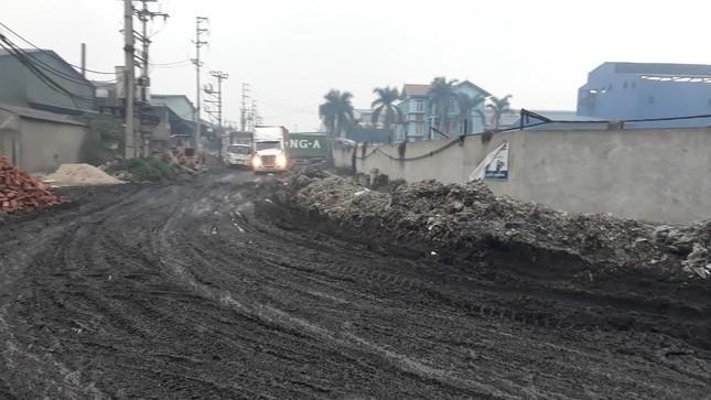 Cảnh dòng sông Ngũ Huyện Khê ô nhiễm như bãi sình lầy đổ ra sông Cầu ảnh 9