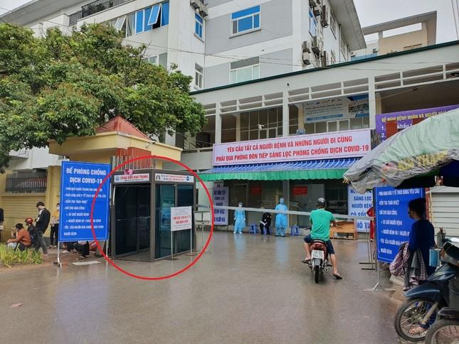 Bắc Giang lắp cổng khử khuẩn chống Covid -19 tại các bệnh viện ảnh 2
