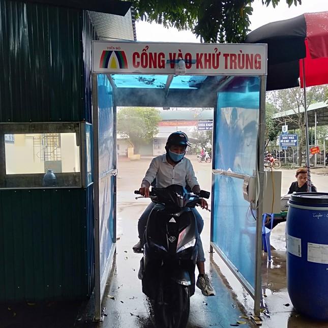 Bắc Giang lắp cổng khử khuẩn chống Covid -19 tại các bệnh viện ảnh 8