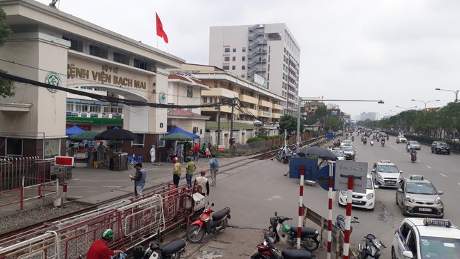 Bắc Giang hỏa tốc rà soát bệnh nhân và người từng đến Bệnh viện Bạch Mai ảnh 1