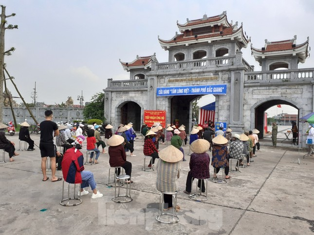 Cây ATM gạo đến với người nghèo và công nhân ở Bắc Ninh ảnh 8