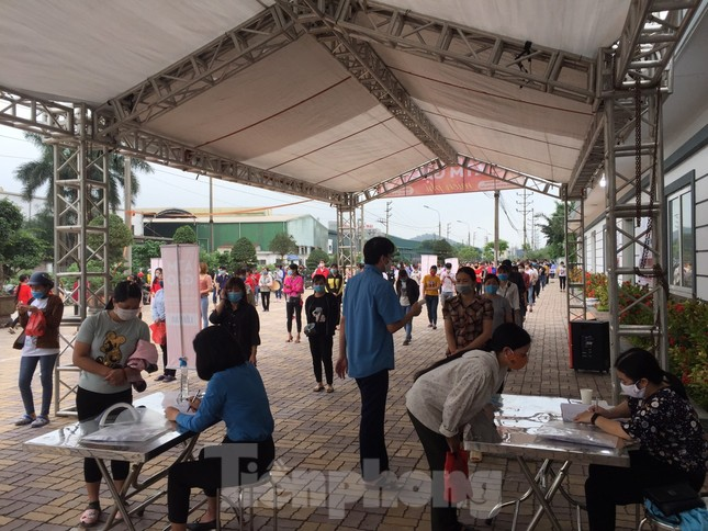 Cây ATM gạo đến với người nghèo và công nhân ở Bắc Ninh ảnh 3