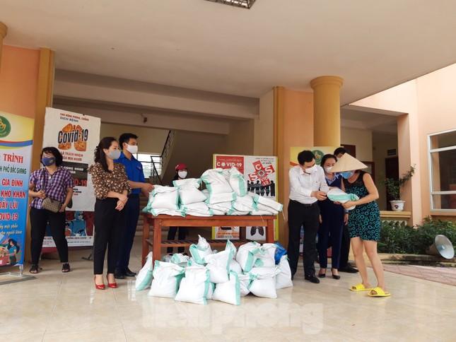 Cây ATM gạo đến với người nghèo và công nhân ở Bắc Ninh ảnh 6