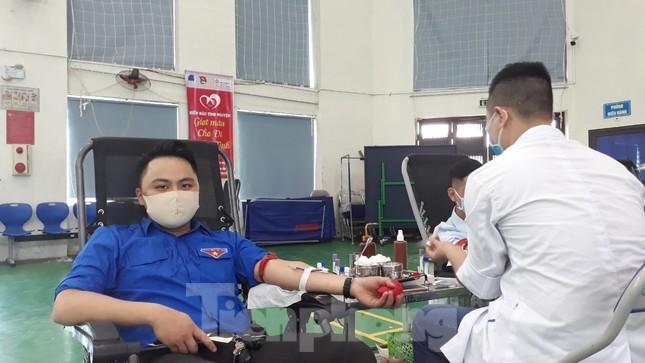 Hơn 500 đoàn viên tỉnh Bắc Ninh tham gia hiến máu ảnh 4
