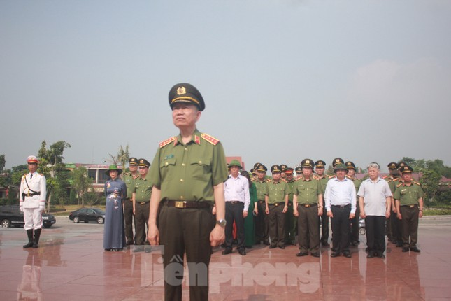 Đại tướng Tô Lâm: Học Bác, siết chặt kỷ cương, phòng ngừa suy thoái trong Công an ảnh 7