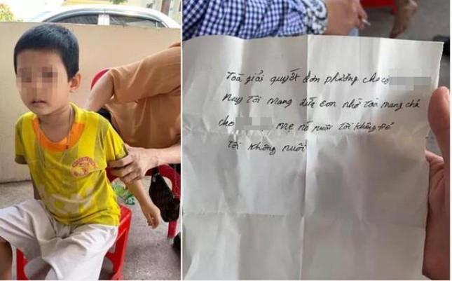 Sau ly hôn, bố đẻ bỏ lại con trai 4 tuổi tại tòa án tỉnh ảnh 2