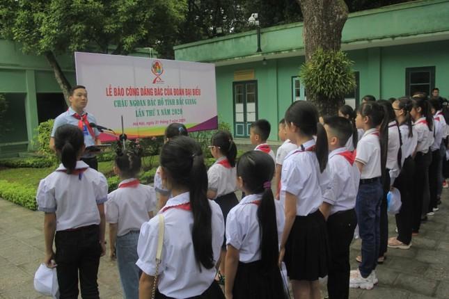 130 đại biểu Cháu ngoan Bác Hồ tỉnh Bắc Giang về Hà Nội báo công dâng Bác ảnh 1