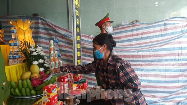 Đồng đội, làng xóm tiếc thương cảnh sát cơ động hi sinh ở Bắc Giang ảnh 3
