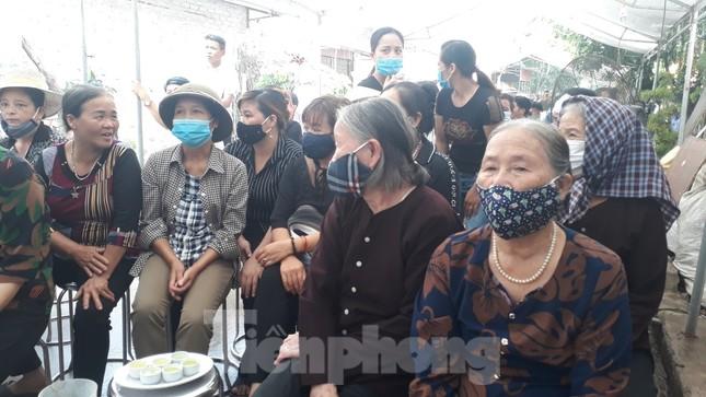 Đồng đội, làng xóm tiếc thương cảnh sát cơ động hi sinh ở Bắc Giang ảnh 4