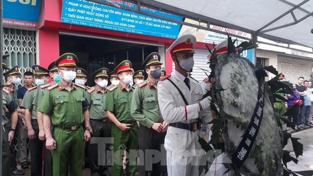 Đồng đội, làng xóm tiếc thương cảnh sát cơ động hi sinh ở Bắc Giang ảnh 1