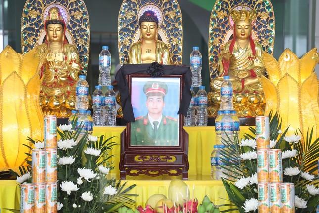 Đồng đội, làng xóm tiếc thương cảnh sát cơ động hi sinh ở Bắc Giang ảnh 2