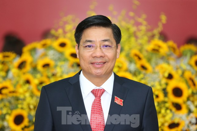 Bắc Giang có tân Chủ tịch và Phó Chủ tịch tỉnh ảnh 1