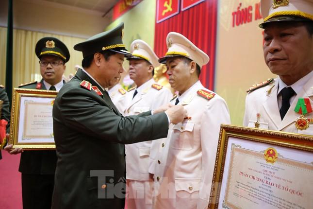 Bắc Giang xử lý 2.000 trường hợp vi phạm về phòng chống dịch bệnh COVID-19 ảnh 2