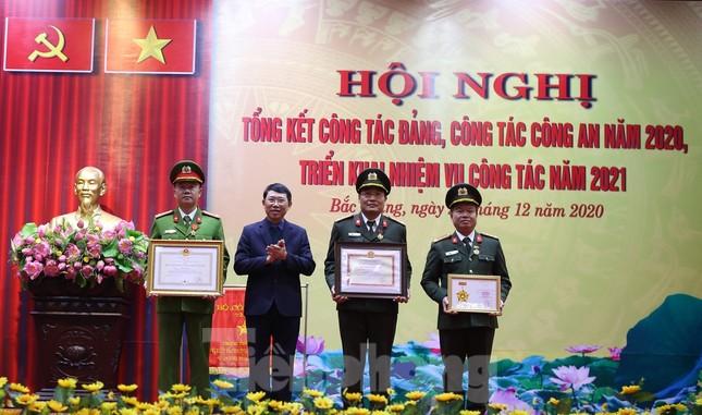 Bắc Giang xử lý 2.000 trường hợp vi phạm về phòng chống dịch bệnh COVID-19 ảnh 4