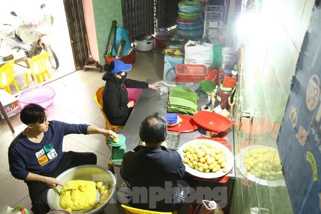 Làng nghề bánh phu thê ngon nức tiếng Bắc Ninh hối hả vào vụ Tết ảnh 9