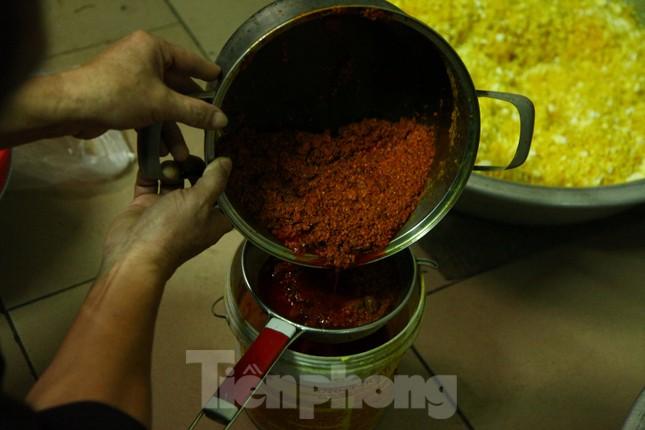 Làng nghề bánh phu thê ngon nức tiếng Bắc Ninh hối hả vào vụ Tết ảnh 6