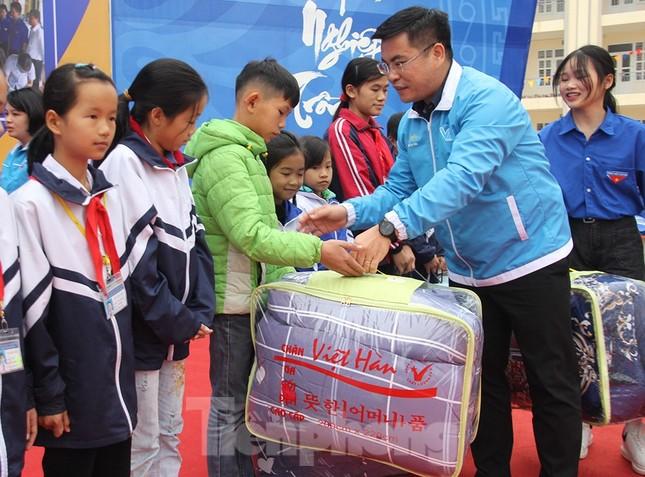 Tuổi trẻ Bắc Giang ôn lại chặng đường xung kích bảo vệ, xây dựng quê hương ảnh 3
