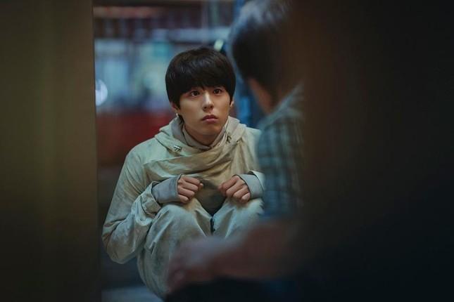 """Việt Nam khởi chiếu phim """"Seobok"""" của Gong Yoo, Park Bo Gum cùng ngày với Hàn Quốc ảnh 1"""