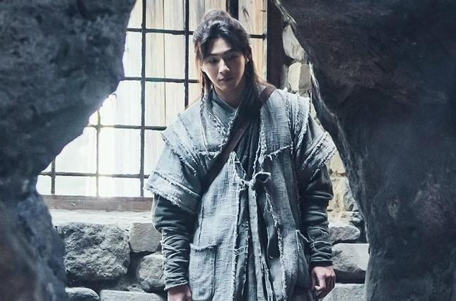 """Nhà sản xuất """"Sông Đón Trăng Lên"""" buộc Ji Soo phải bồi thường thiệt hại do scandal ảnh 4"""