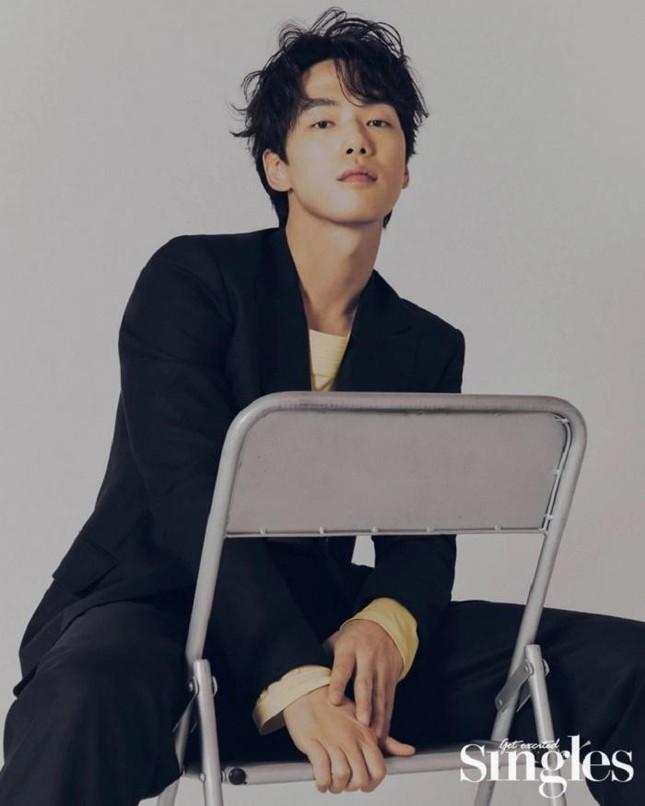 """Chưa kịp về """"cùng nhà"""" với Seo Ji Hye, Kim Jung Hyun đã bị công ty quản lý kiện ảnh 1"""